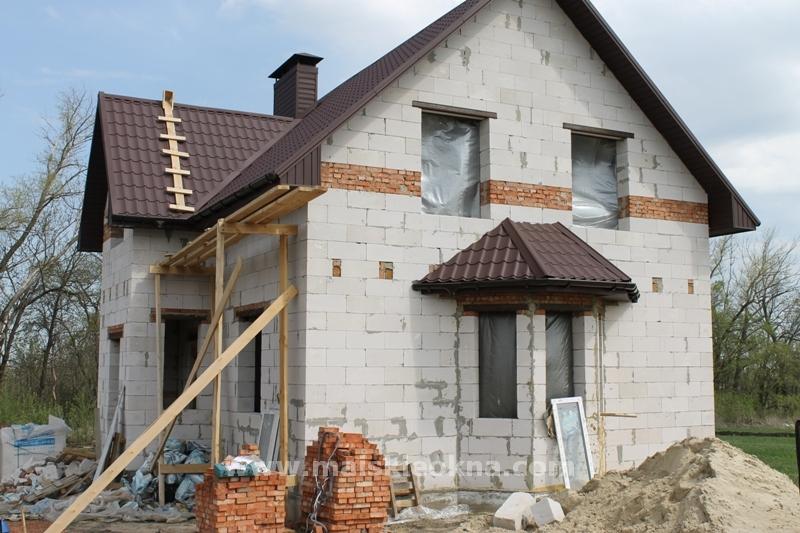 окна в домах из пеноблоков